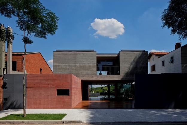 UNA Arquitetos - Casa Boaçava © leonardo finotti